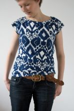 Ikat V Back  Top - Navy - 15.00 €